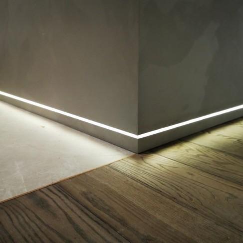 5 способов монтажа скрытого плинтуса при ремонте квартир